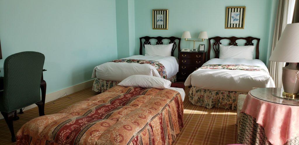 ツインルームに簡易ベッド