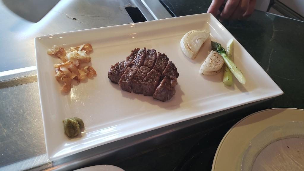 特選常陸牛ステーキ フィレまたはサーロイン、季節の焼野菜