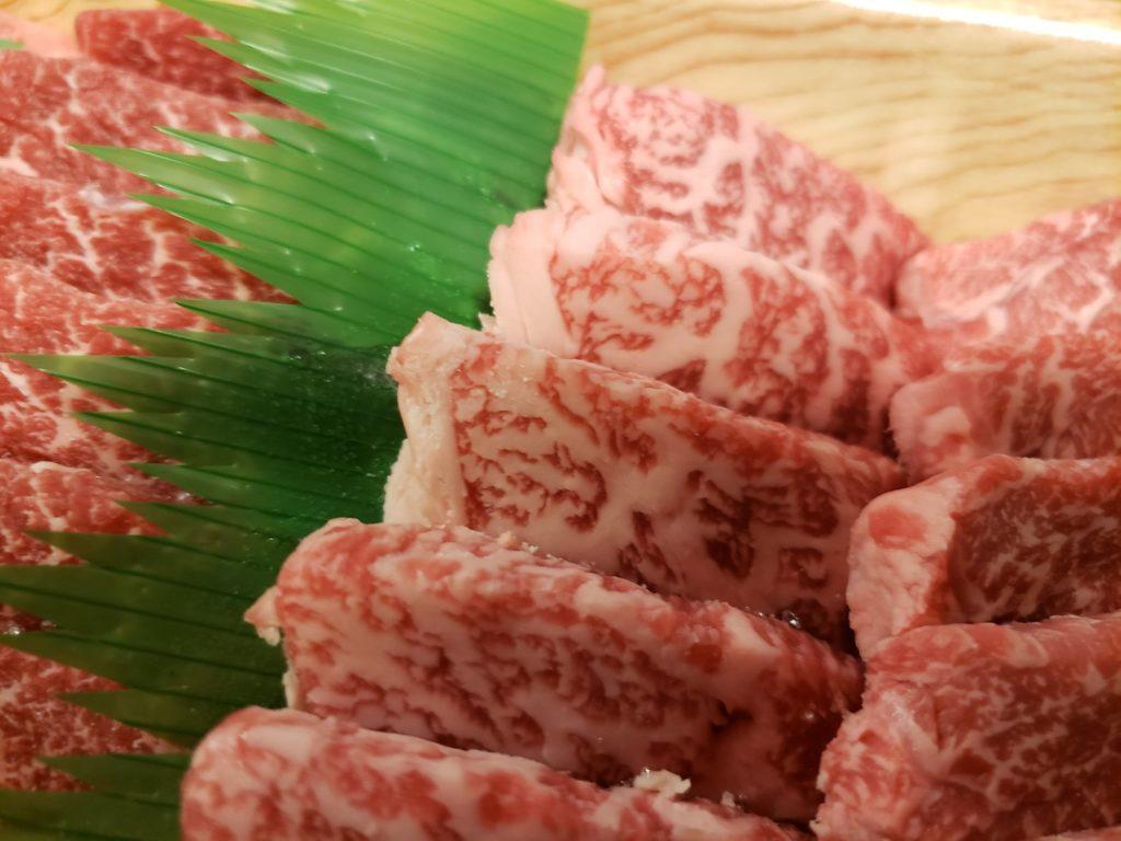 サシ入り肉