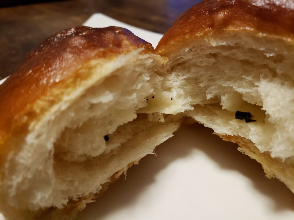 白トリュフ塩パン