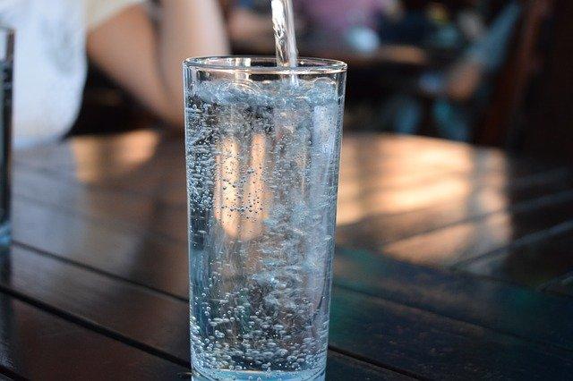 水2リットル飲み続ける